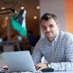 COVID-19 e Desenvolvimento de Estrutura na Web para Negócios Home Office